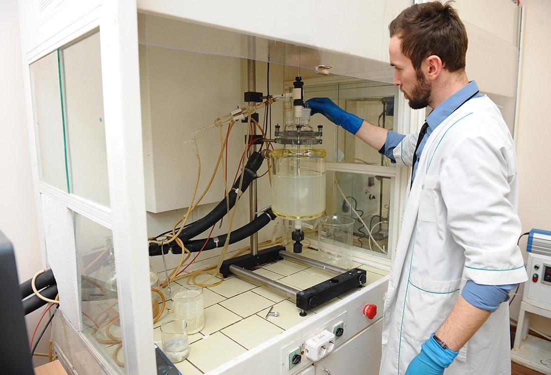 Российские ученые создали прочные и легкие полимеры